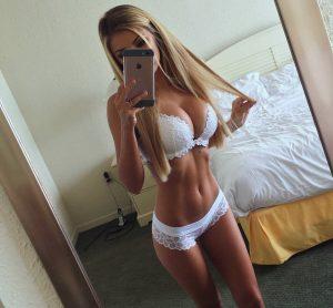 Selfie sexy en lingerie
